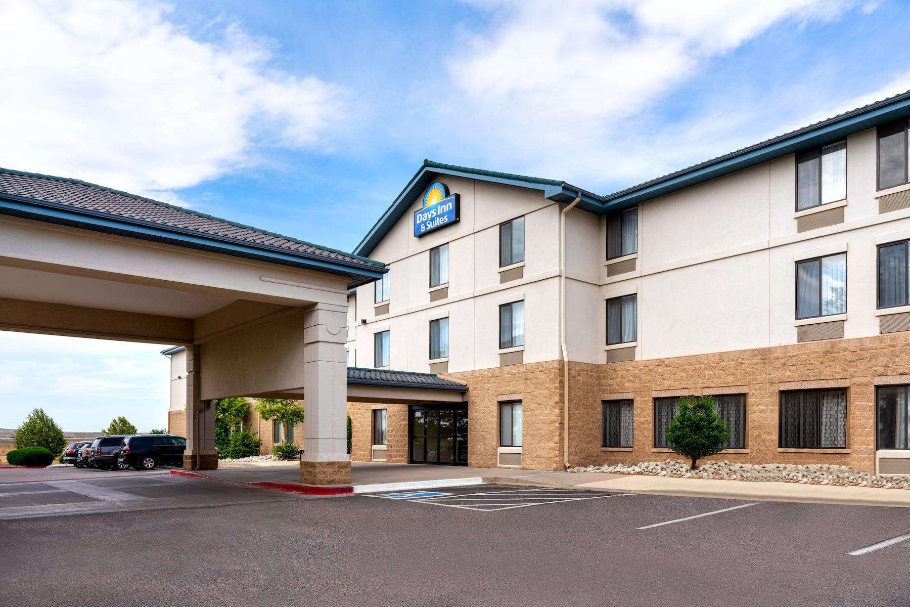 Days Inn & Suites by Wyndham Denver International Airport